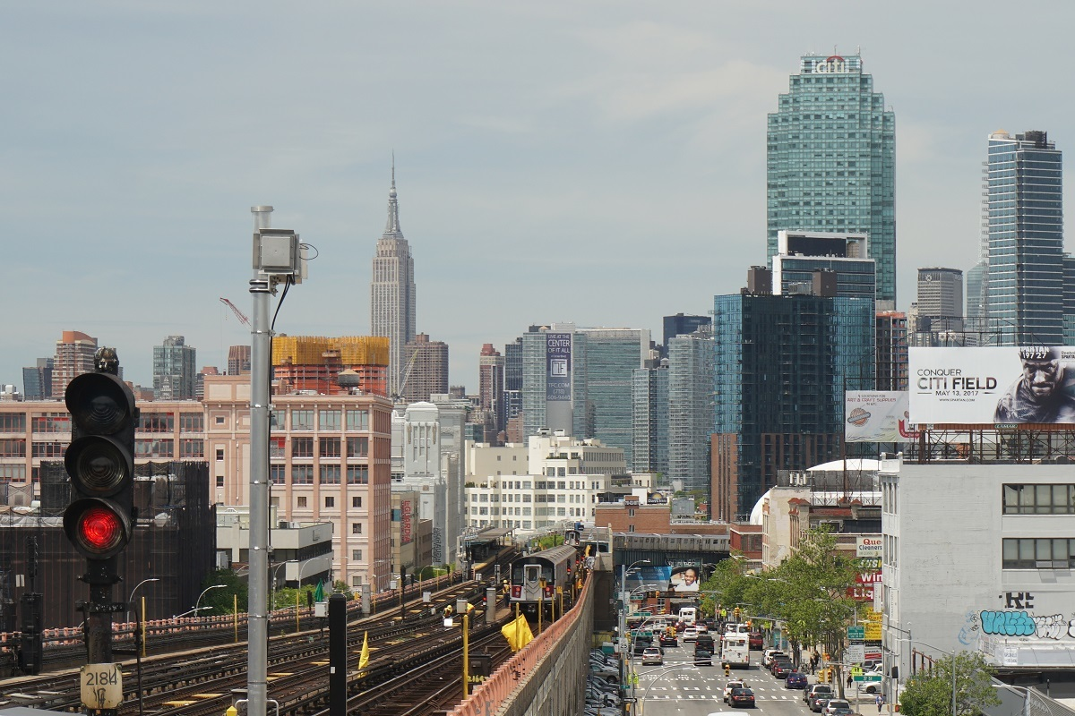 Lowery St-40th Station of 7-line, convenient to Manhattan